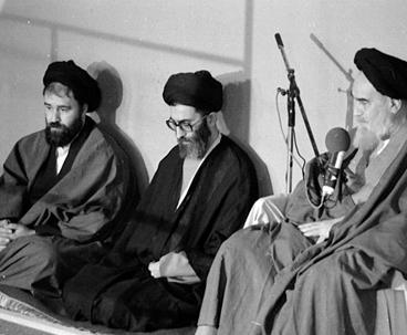 قائد الثورة الاسلامية: تكريم السيد أحمد مسؤولية وواجب