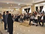 الضيوف الاجانب في مراسم رحيل الامام يزورون شركة بركة لصناعة الادوية