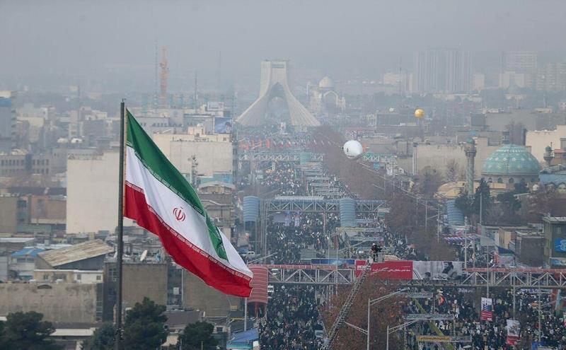 ملحمة مليونية يسطرها الشعب الایرانی بذكرى انتصار الثورة الاسلامیة