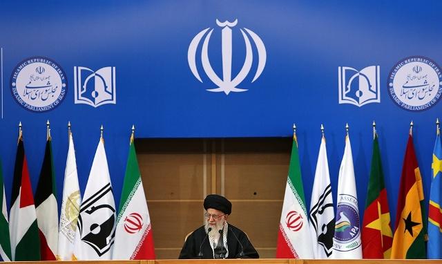 قائد الثورة الإسلامية: فلسطين لا زالت تمثل عنوانا يجب ان يكون محورا لكل البلدان الاسلامية
