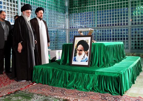 إحياء ذكرى رحيل الإمام الخميني (رض) في مرقده بكلمة قائد الثورة الإسلامية