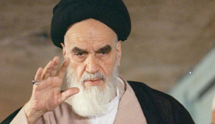 رؤية الإمام الخميني إلى الحكومة والمسؤولين
