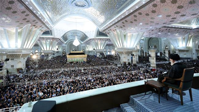 Supreme leader stresses grandeur of Imam Khomeini's personality