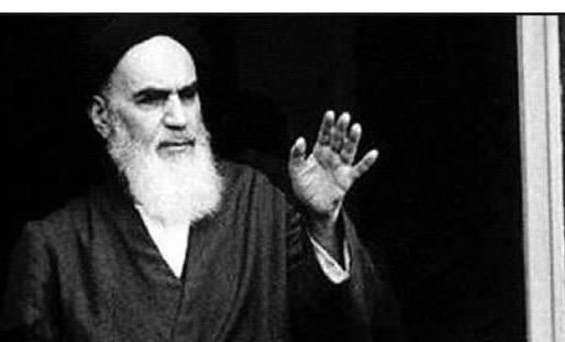 L`auteur hindi a dit que l`Imam (Que DIEU le bénisse) était un Guide unique dans le monde